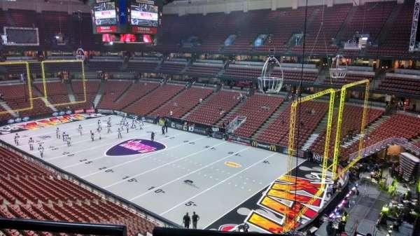 Honda Center, secção: 428, fila: B, lugar: 8