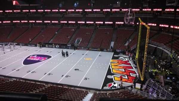 Honda Center, secção: 430, fila: B, lugar: 8