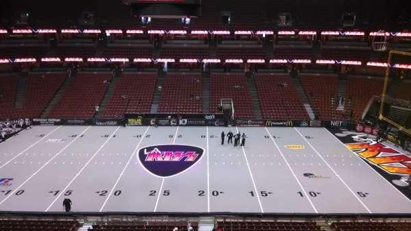 Honda Center, secção: 433, fila: B, lugar: 8