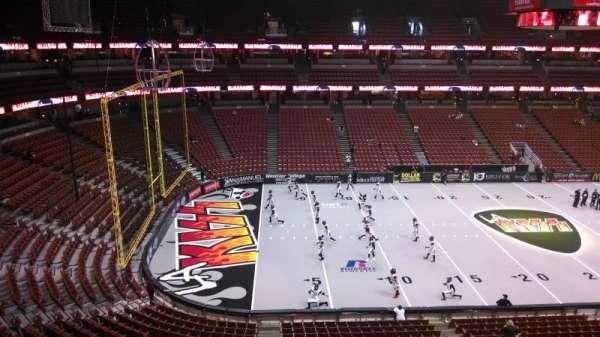 Honda Center, secção: 436, fila: B, lugar: 8