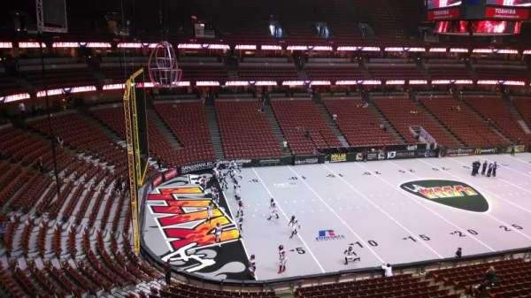 Honda Center, secção: 437, fila: B, lugar: 8