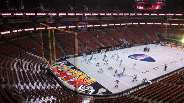 Honda Center, secção: 439, fila: B, lugar: 8