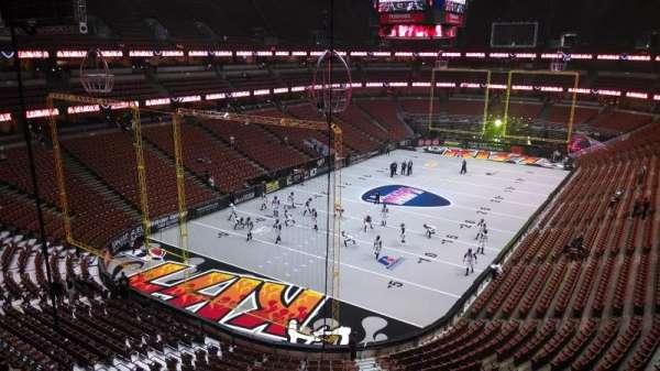Honda Center, secção: 440, fila: B, lugar: 8