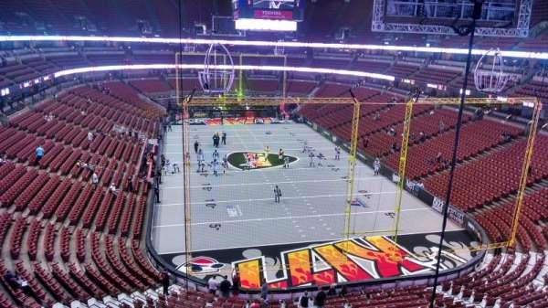 Honda Center, secção: 401, fila: B, lugar: 8