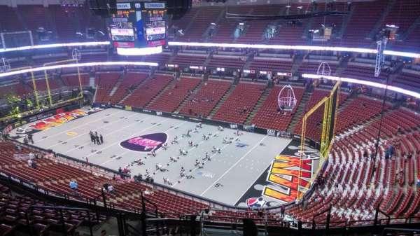 Honda Center, secção: 407, fila: N, lugar: 8
