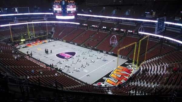 Honda Center, secção: 406, fila: N, lugar: 8