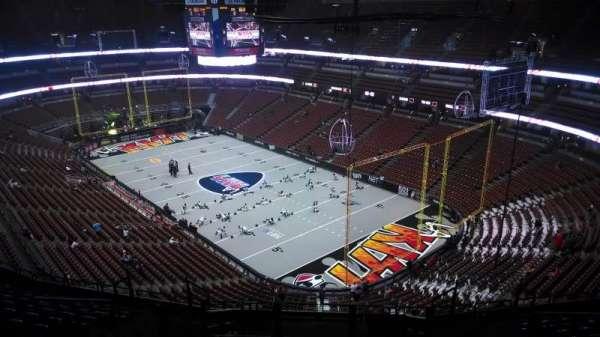 Honda Center, secção: 405, fila: N, lugar: 8