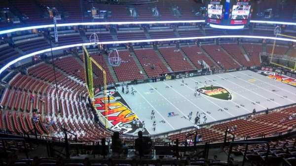 Honda Center, secção: 438, fila: N, lugar: 8