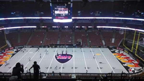 Honda Center, secção: 433, fila: M, lugar: 8