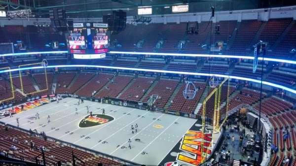 Honda Center, secção: 429, fila: M, lugar: 8