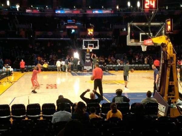 Staples Center, secção: 108, fila: 3, lugar: 8-9