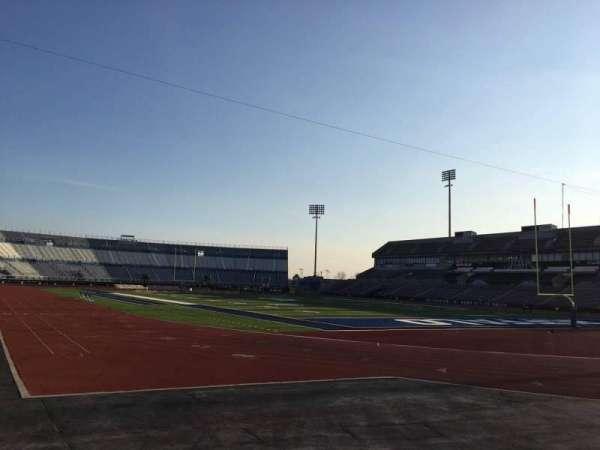 UB Stadium, secção: 120, fila: A, lugar: 4