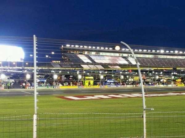Charlotte Motor Speedway, secção: chrysler, fila: 9, lugar: 14