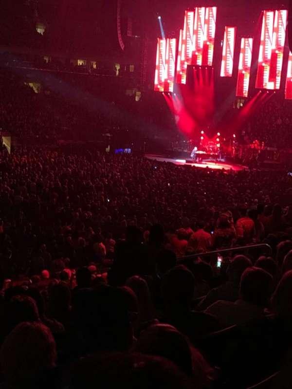 Madison Square Garden, secção: 106, fila: 17, lugar: 6