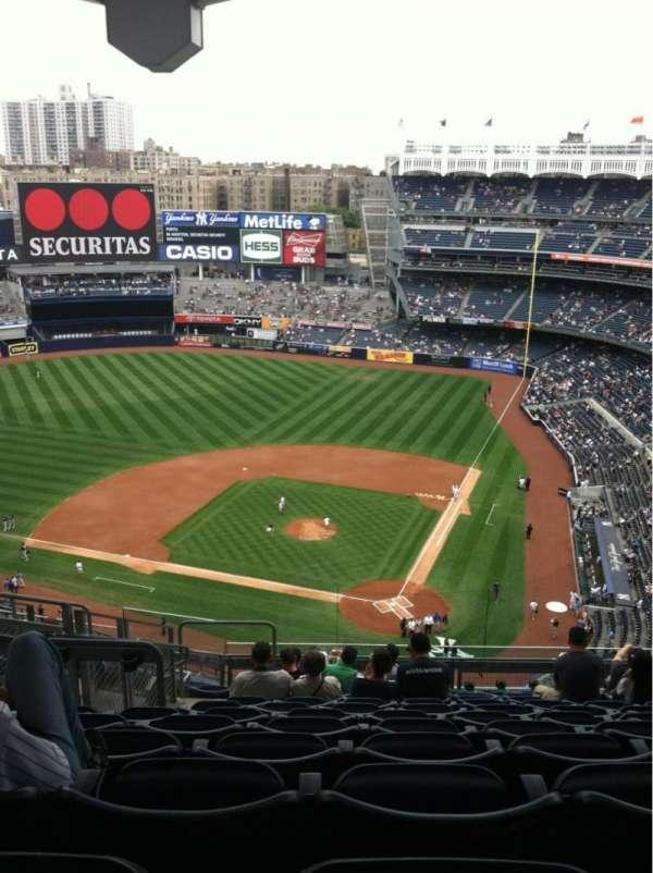 Yankee Stadium, secção: 421, fila: 12, lugar: 23