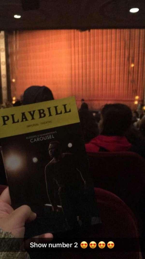 Imperial Theatre, secção: Orchestra R, fila: R, lugar: 20