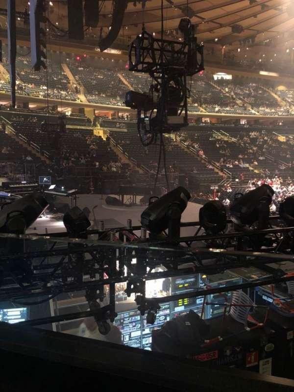 Madison Square Garden, secção: 114, fila: 6, lugar: 6
