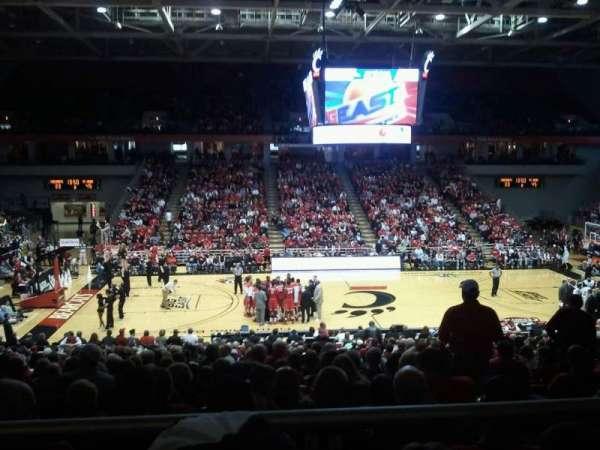 Fifth Third Arena, secção: 223, fila: 1