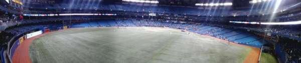 Rogers Centre, secção: 244L, fila: 1, lugar: 106