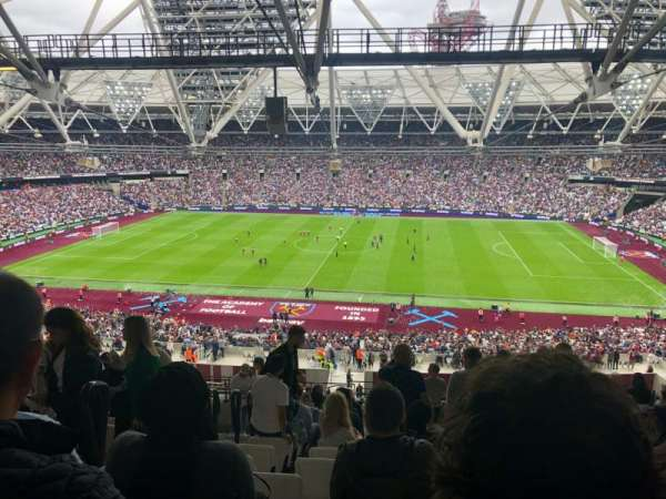 London Stadium, secção: 209, fila: 66, lugar: 394