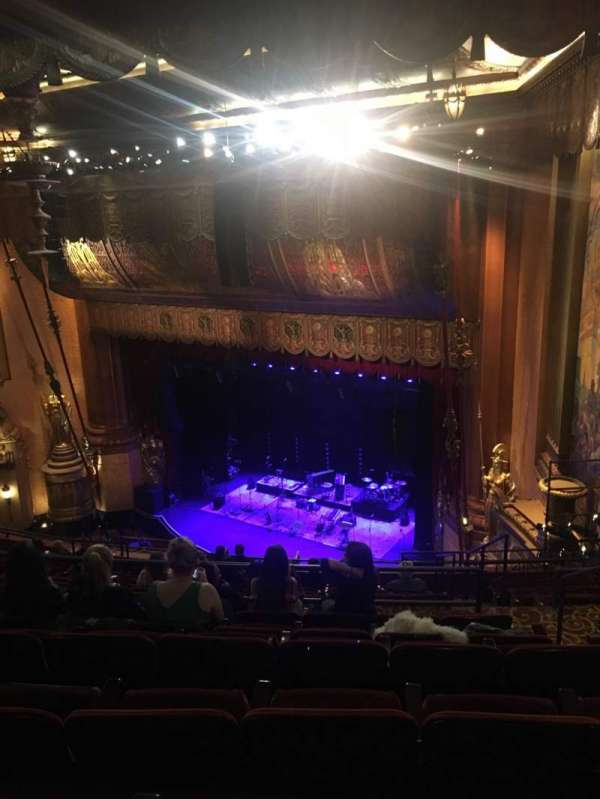 Beacon Theatre, secção: Upper Balcony 4, fila: L, lugar: 52