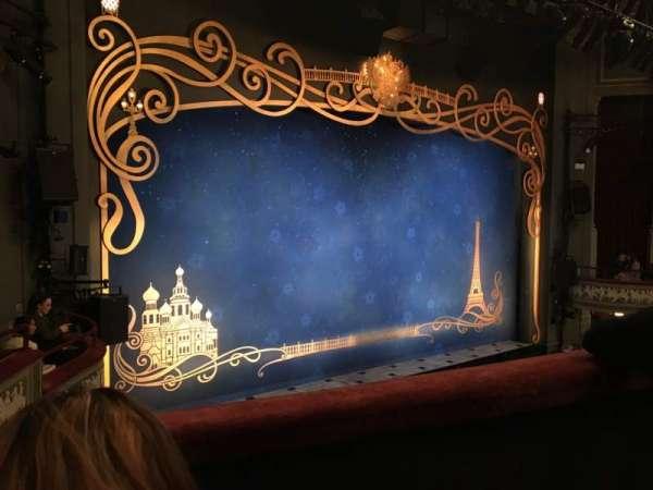 Broadhurst Theatre, secção: Mezzanine L, fila: B, lugar: 17