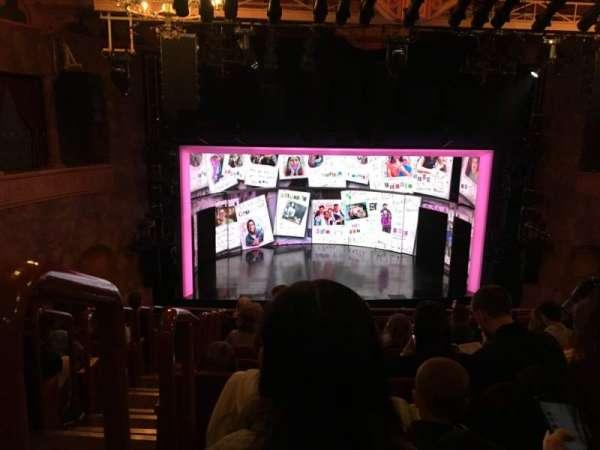 August Wilson Theatre, secção: Mezzanine C, fila: J, lugar: 114