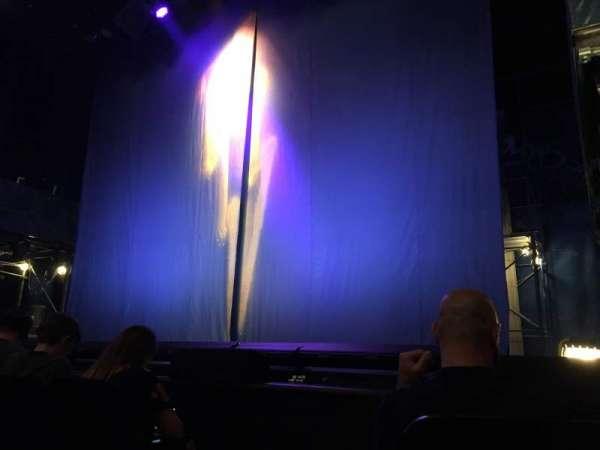 Longacre Theatre, secção: Orchestra R, fila: C, lugar: 1