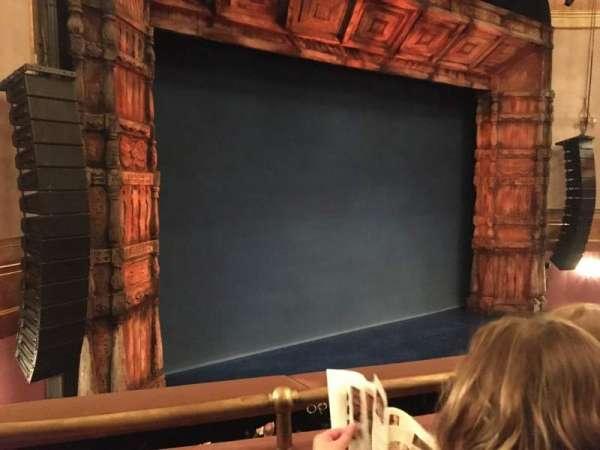 St. James Theatre, secção: Mezzanine L, fila: B, lugar: 17