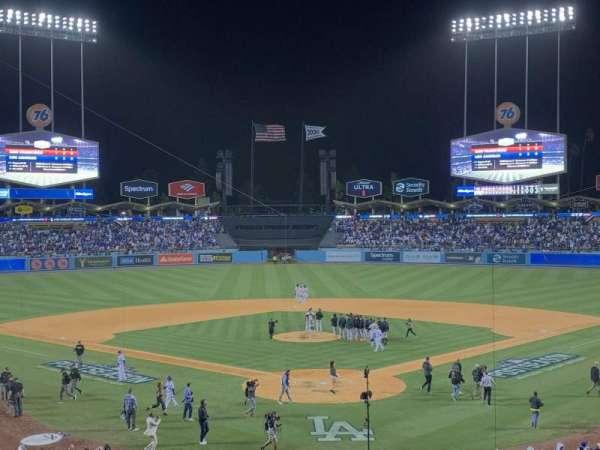 Dodger Stadium, secção: 101, fila: 4, lugar: 2
