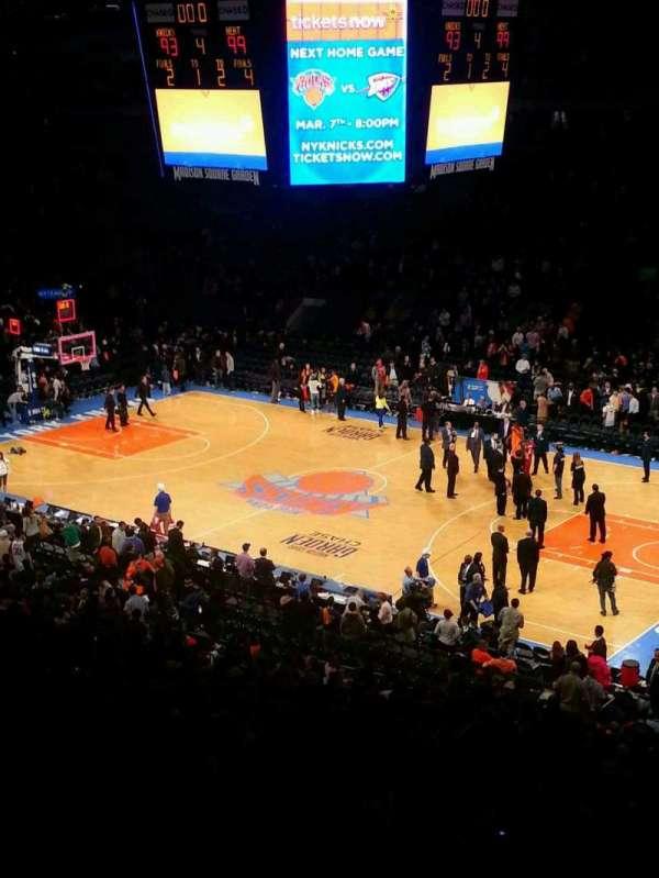 Madison Square Garden, secção: 214, fila: 3, lugar: 2