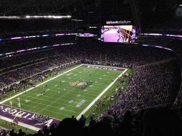 U.S. Bank Stadium, secção: 321, fila: 17