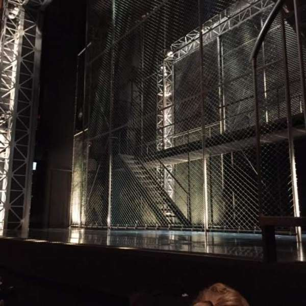 August Wilson Theatre, secção: Orchestra R, fila: B, lugar: 2, 4