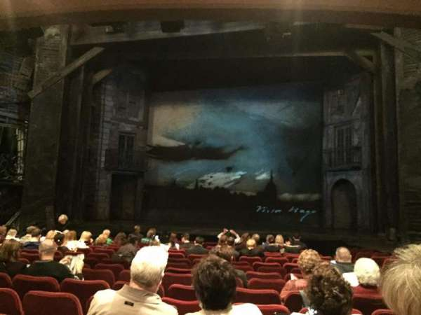 Imperial Theatre, secção: Orchestra C, fila: O, lugar: 111