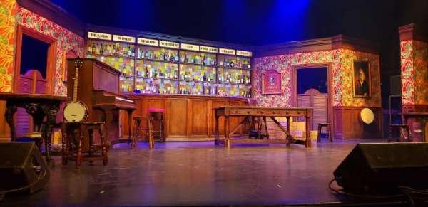Broadway Playhouse, secção: Center, fila: B, lugar: 15