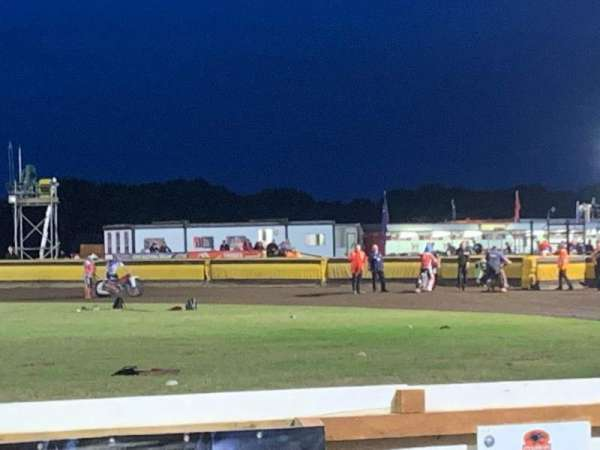Peterborough Panthers Speedway, secção: Main Straight Covered Stand, fila: 2, lugar: Open