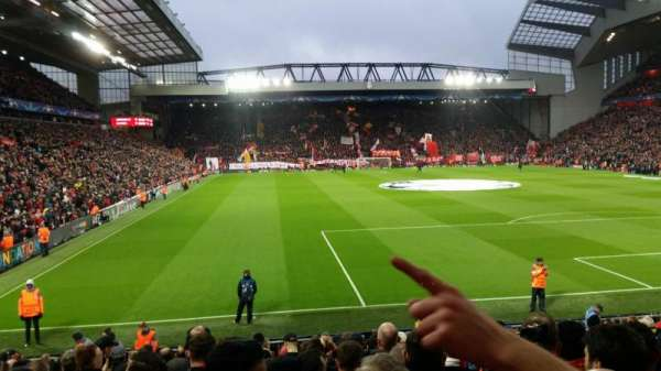 Anfield, secção: 126, fila: 20, lugar: 157
