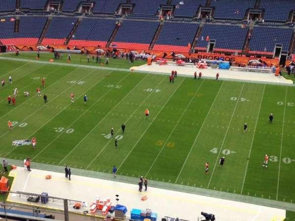 Empower Field at Mile High Stadium, secção: 507, fila: 8, lugar: 11