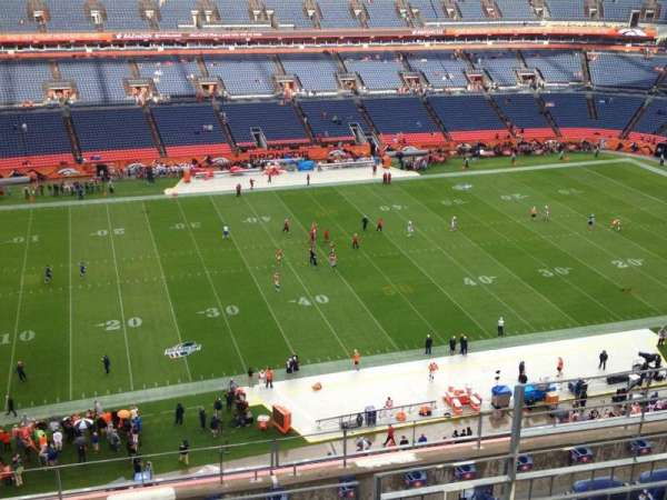 Empower Field at Mile High Stadium, secção: 512, fila: 8, lugar: 5