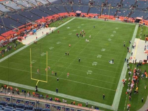 Broncos Stadium at Mile High, secção: 520, fila: 14, lugar: 1
