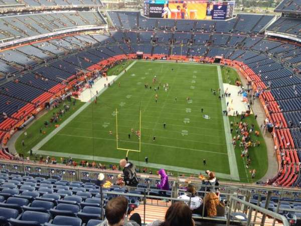 Empower Field at Mile High Stadium, secção: 521, fila: 12, lugar: 13