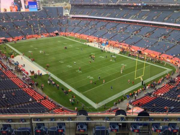 Broncos Stadium at Mile High, secção: 527, fila: 11, lugar: 11