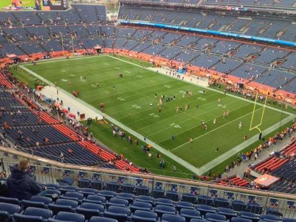 Empower Field at Mile High Stadium, secção: 528, fila: 16, lugar: 10