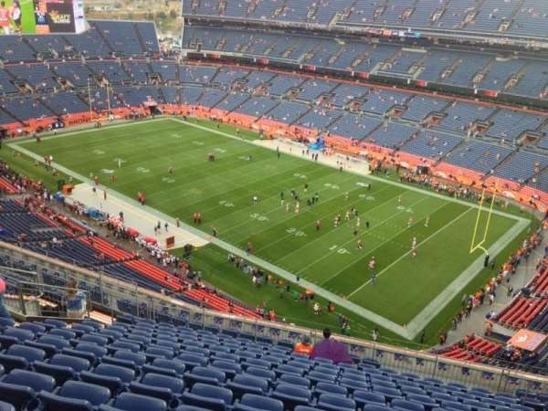 Empower Field at Mile High Stadium, secção: 529, fila: 15, lugar: 2