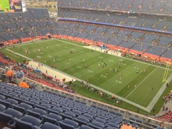 Empower Field at Mile High Stadium, secção: 530, fila: 19, lugar: 5