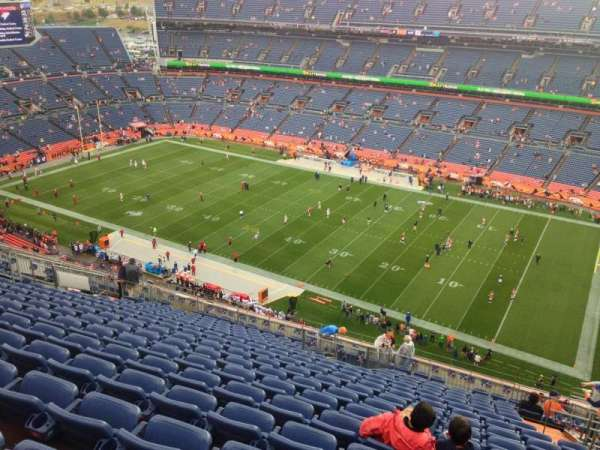 Broncos Stadium at Mile High, secção: 531, fila: 18, lugar: 14