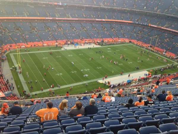 Broncos Stadium at Mile High, secção: 540, fila: 20, lugar: 8