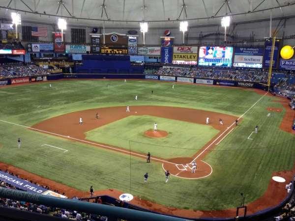 Tropicana Field, secção: 303, fila: B, lugar: 3