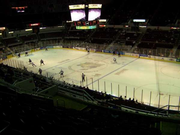 Carver Arena, secção: 10, fila: 17, lugar: 2