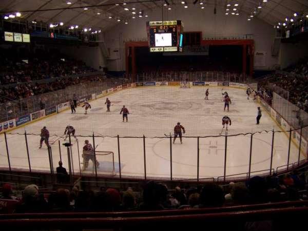 Upstate Medical University Arena, secção: 12